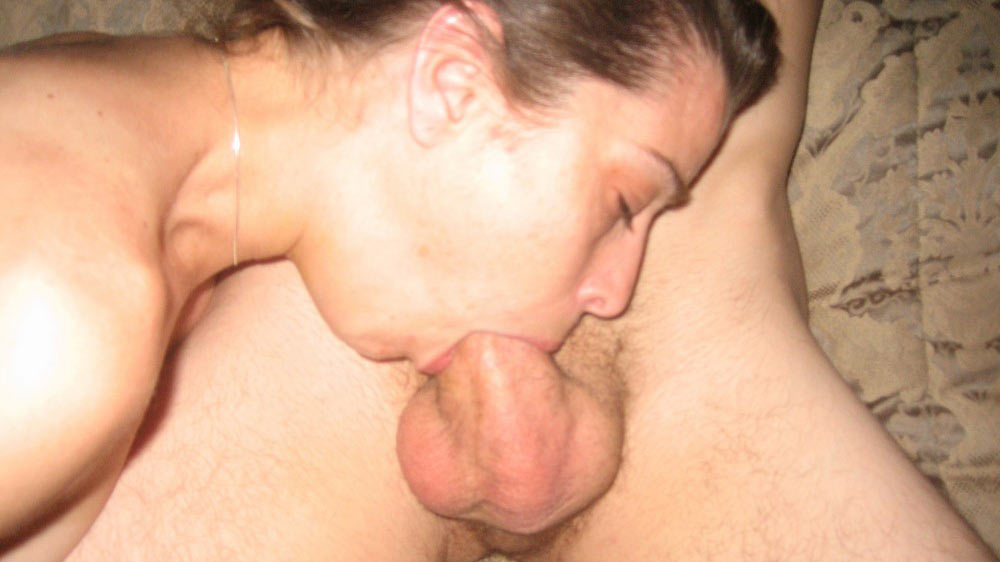 Good MILFs know how to deepthroat big cocks