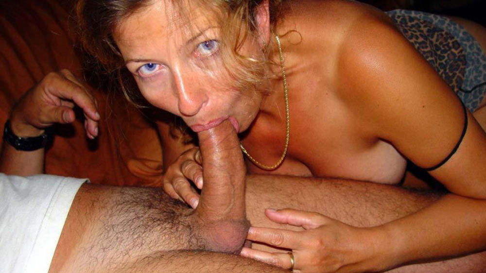 More wife giving husband deepthroat