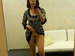 Selfie from a hot mature wife in the changing room