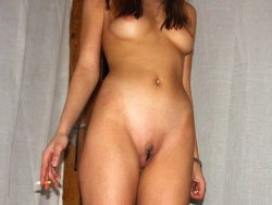 Nude photos of an amateur wife who is an ex-lingerie model