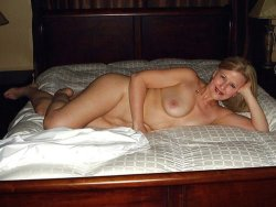 Older cuckold wife naked in a cheap hotel room