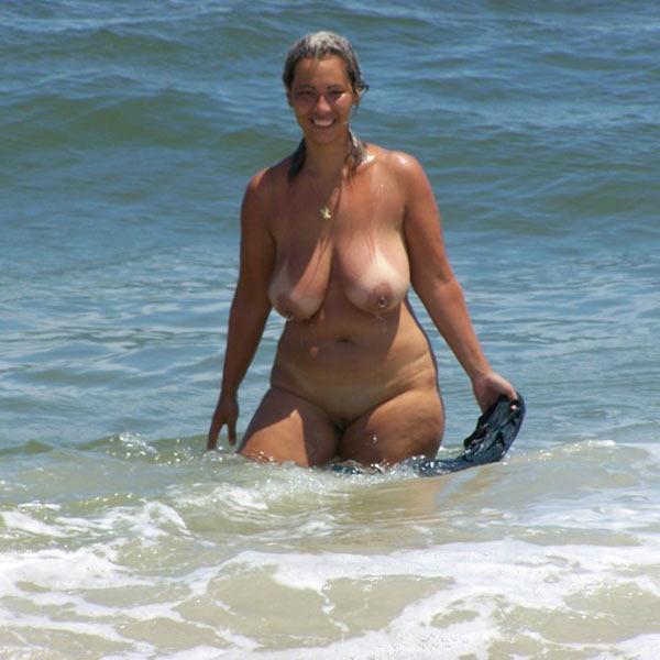Amateur wife beach