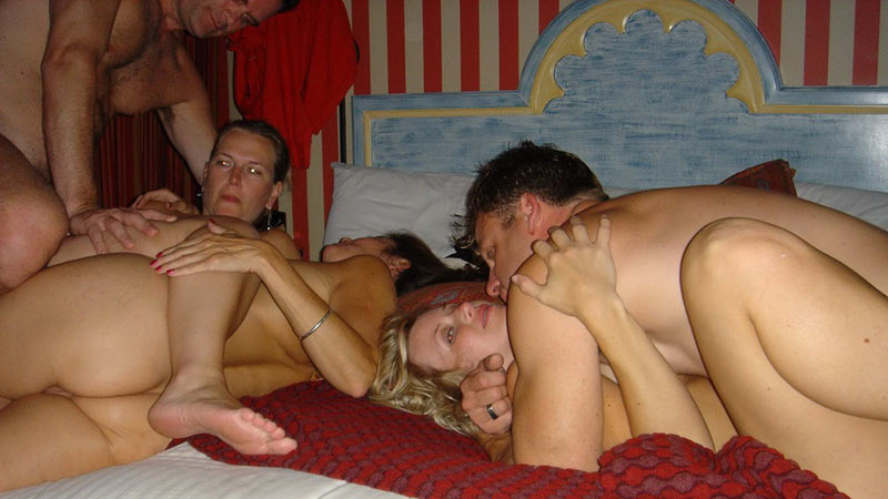 Wifebucket mature couples on a vacation in swingers paradise