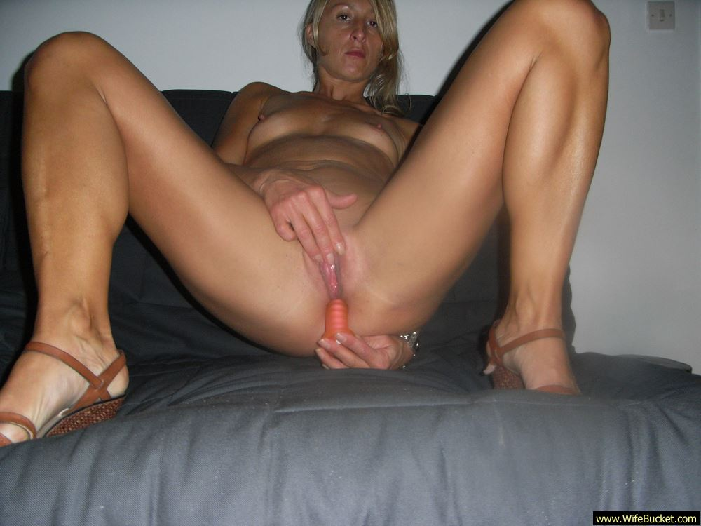 Older house wives pussy thumbs — photo 9