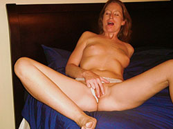 nude-redhead-mature-wife-young-girls-big-pussy