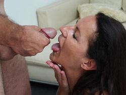 Amateur wife gets a big facial cumshot