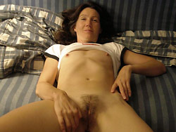 Homemade sex pics with a real mature slut