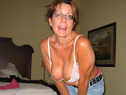Naked pics of a mature amateur wife