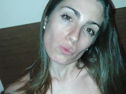 Nude selfies and sexting pics from a real amateur wife