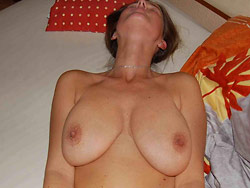 Hot wife over 40 naked at home pics