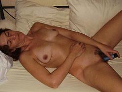 Homemamde porn pics with a hot mature slut