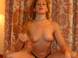 Drunk amateur MILF submitted these nudes