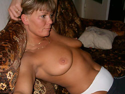 Homemade porn pics with a real amateur MILF