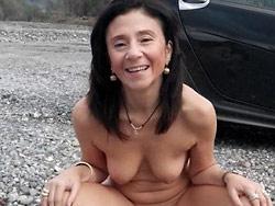 Hot MILF public nudity pics