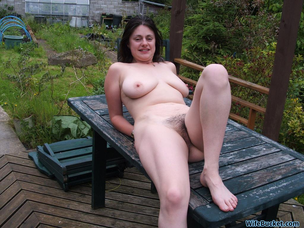 nude hot busty wife