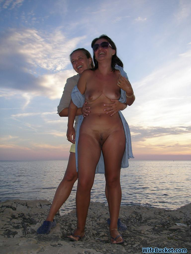 Swingers wives nudes