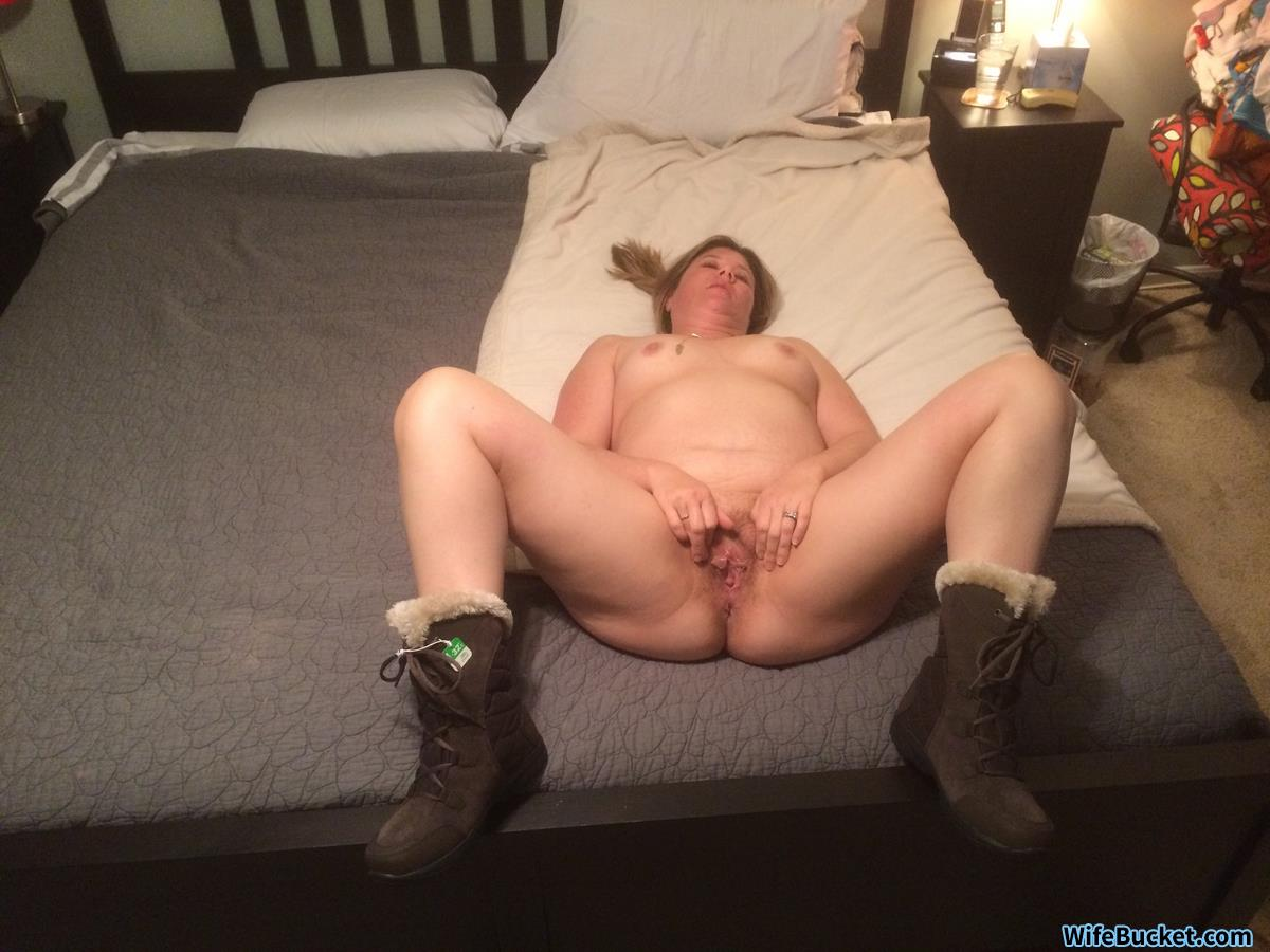 Naked pictures of a real amateur wife