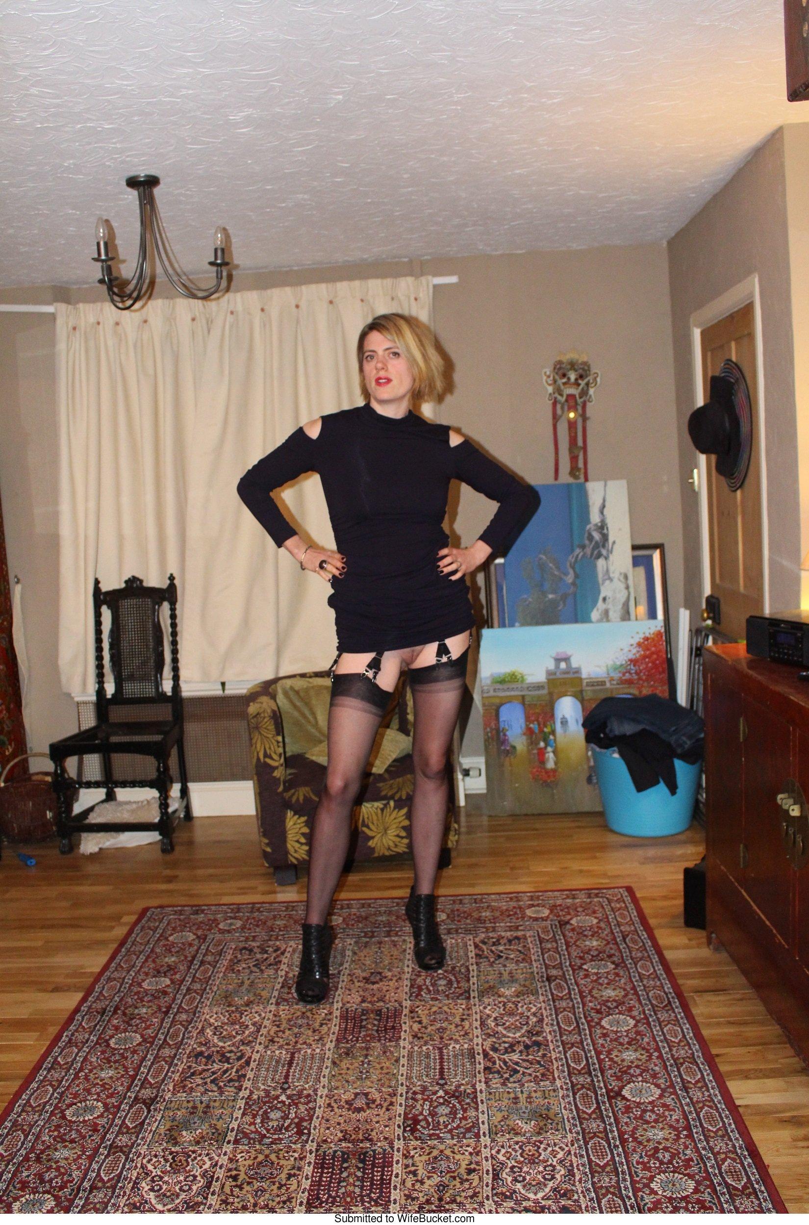 classy wife flashing pussy