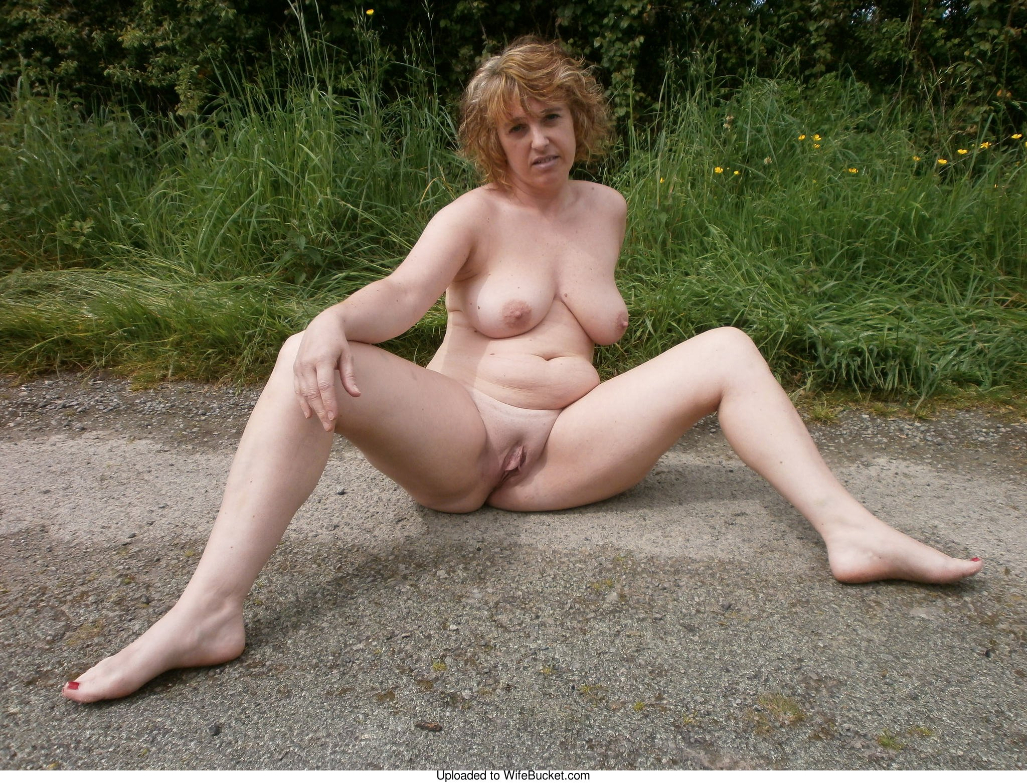 amateur wife naked outdoor