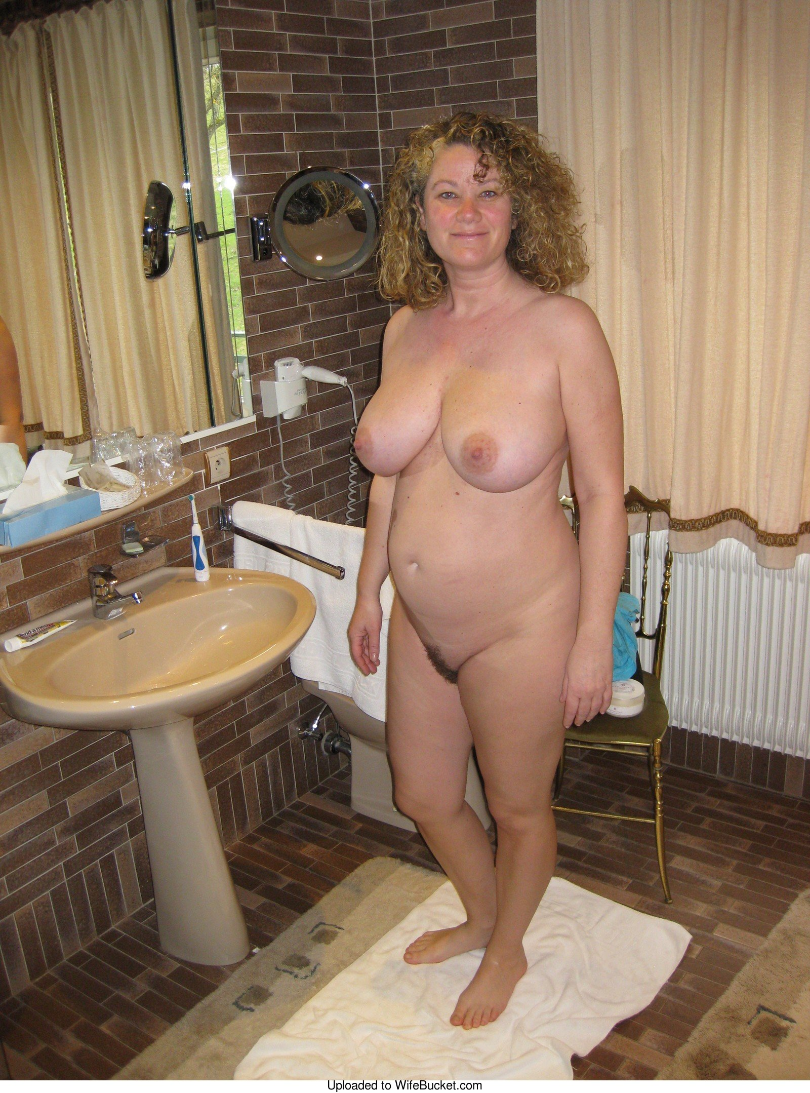 Amateur wife naked