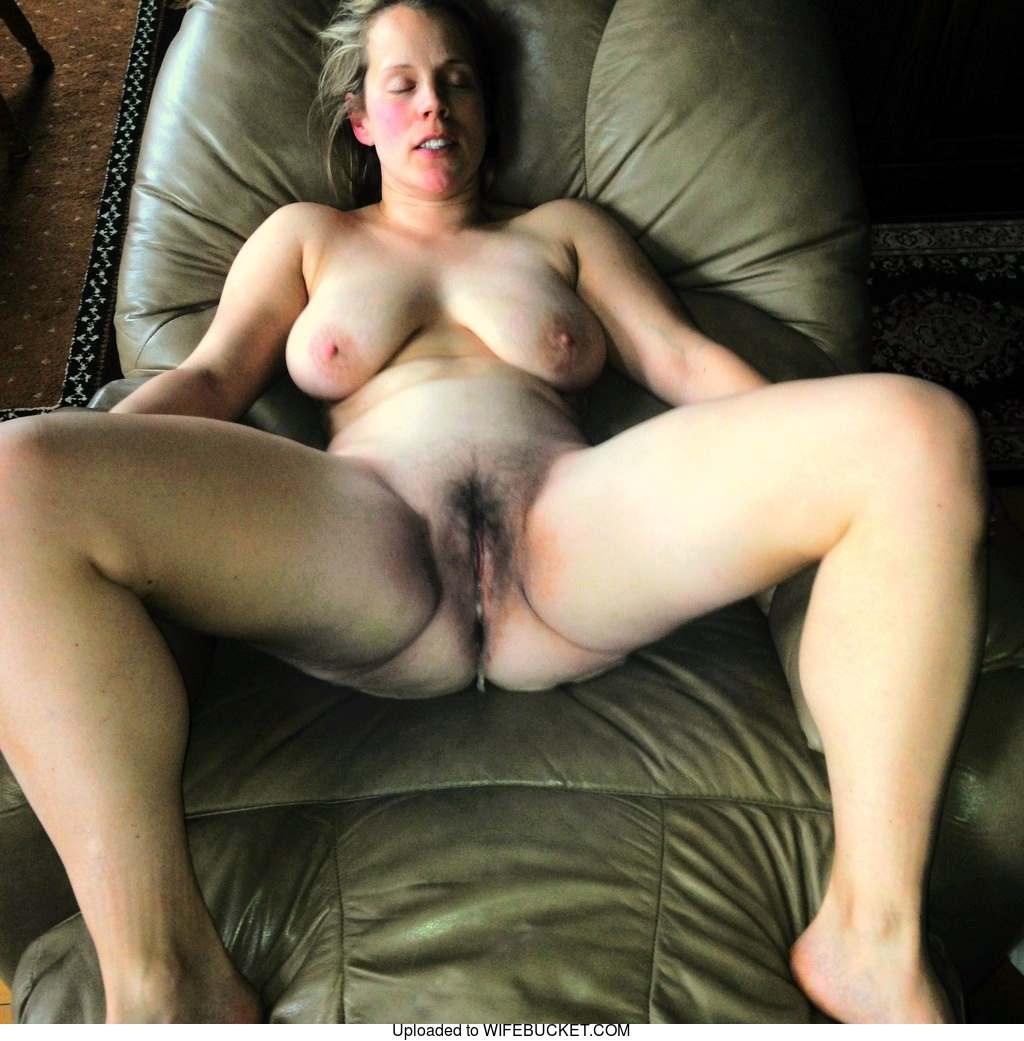 22 User-Submitted Photos Of Real Milf Wives And Their -3106