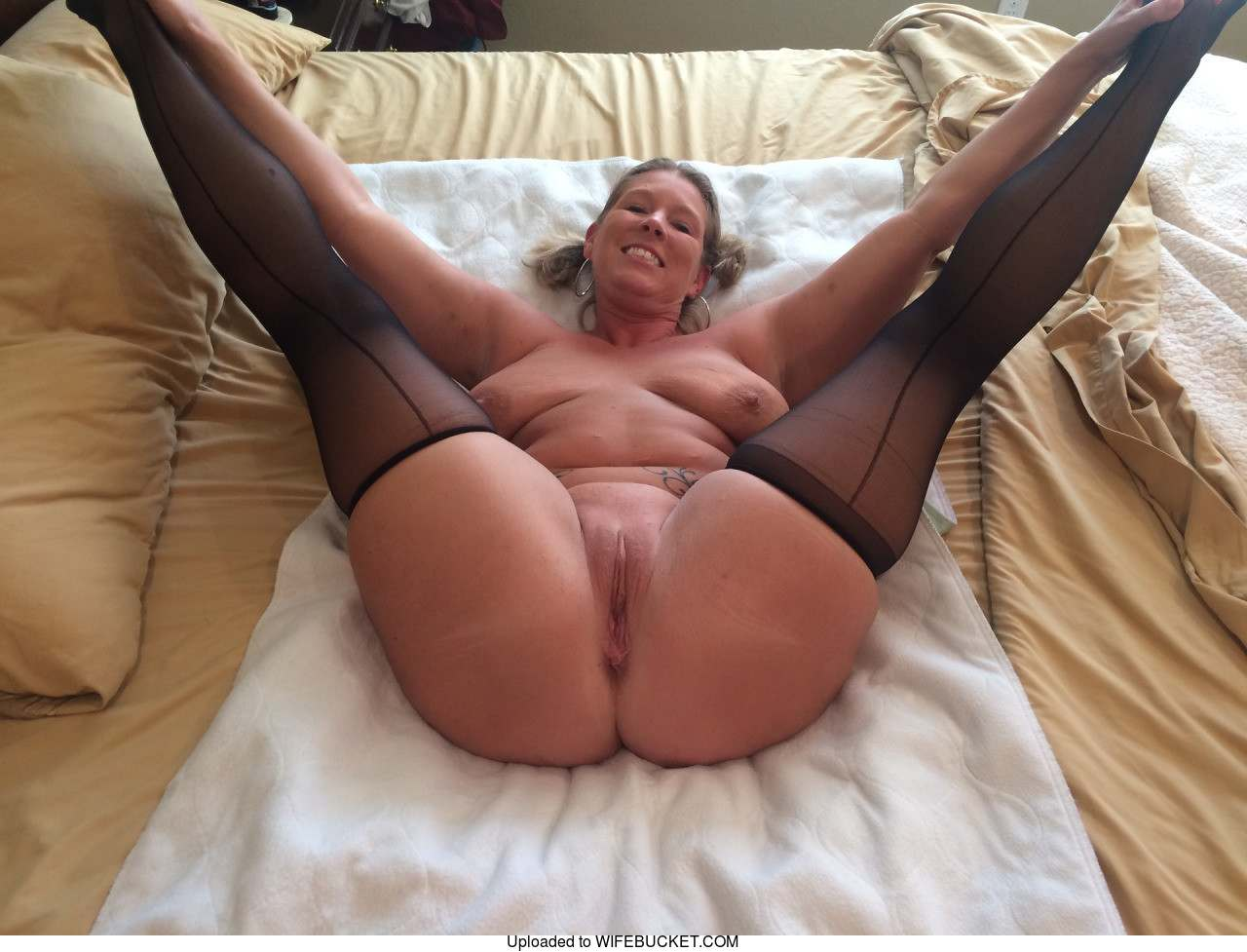 22 User-Submitted Photos Of Real Milf Wives And Their -6671