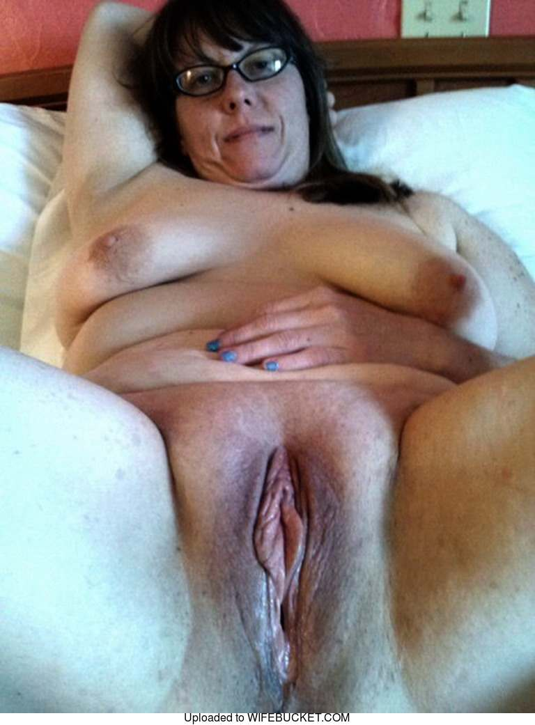 22 User-Submitted Photos Of Real Milf Wives And Their -4532