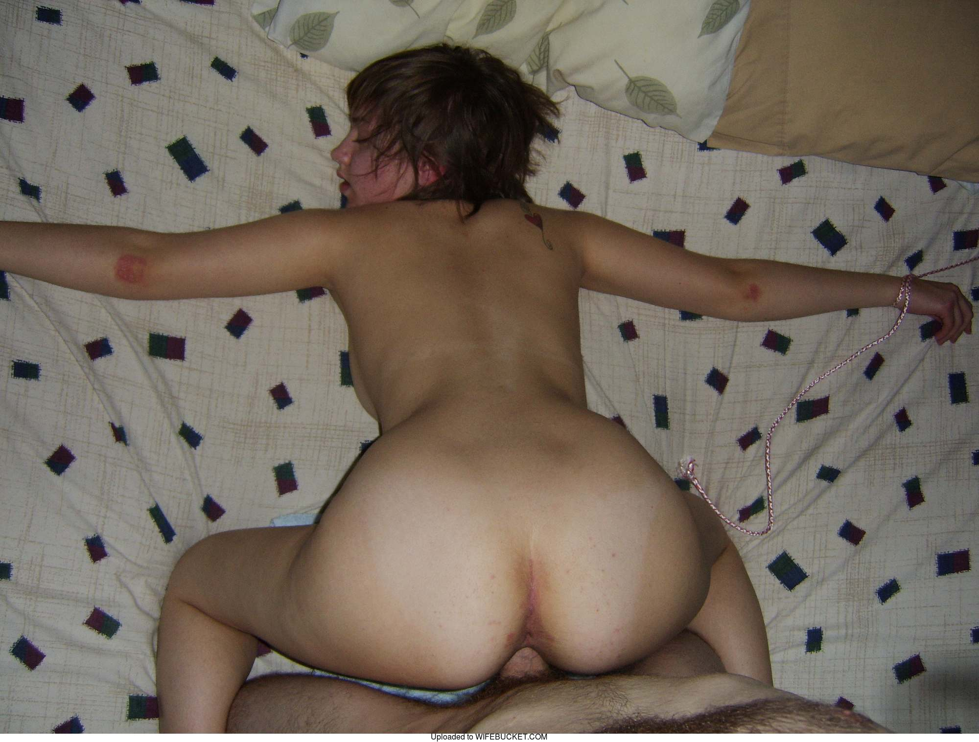 amateur nude wives ducked from behind images