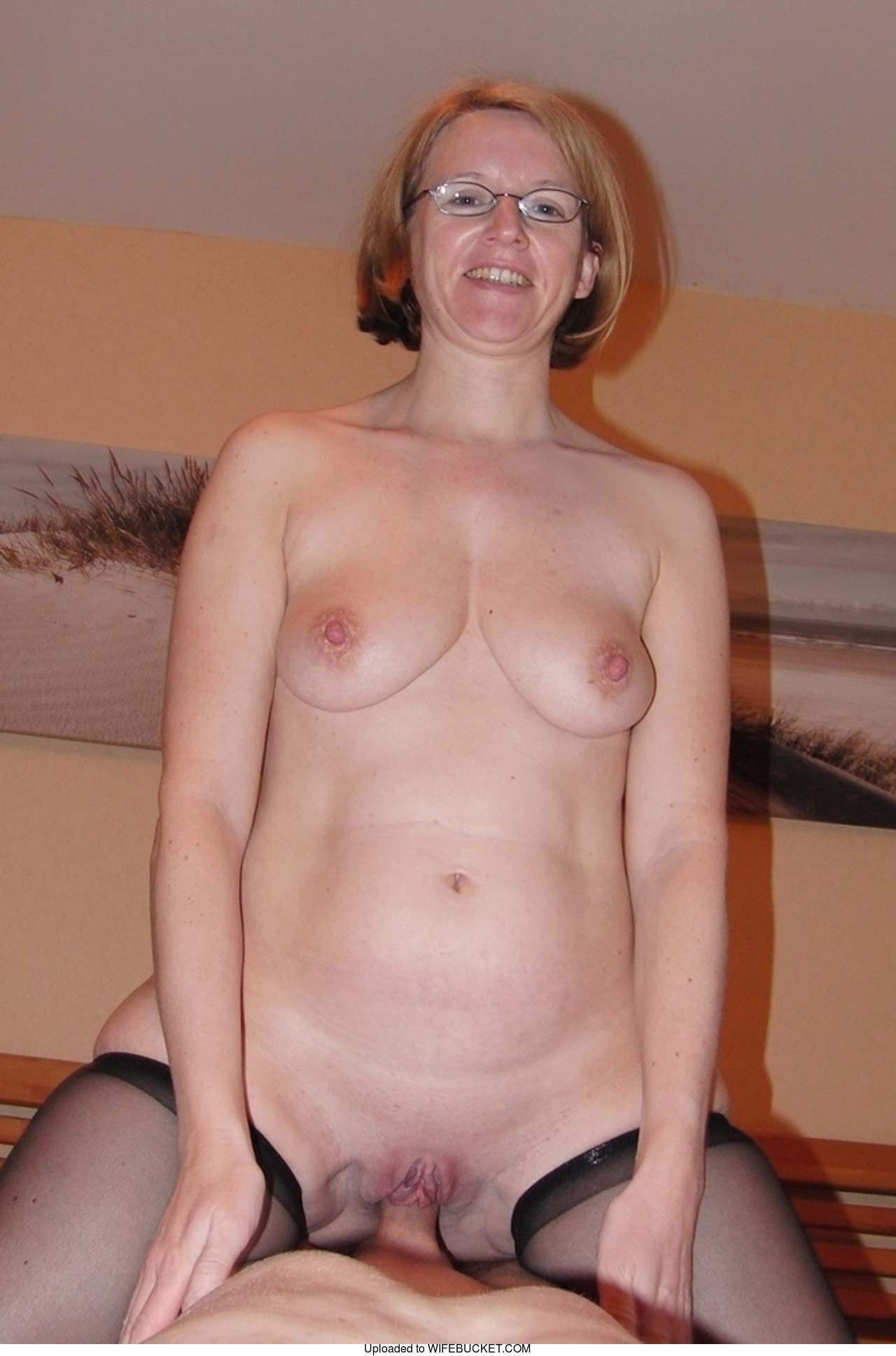 Amateur Home Porn 38 home porn pictures featuring only real amateur wives and