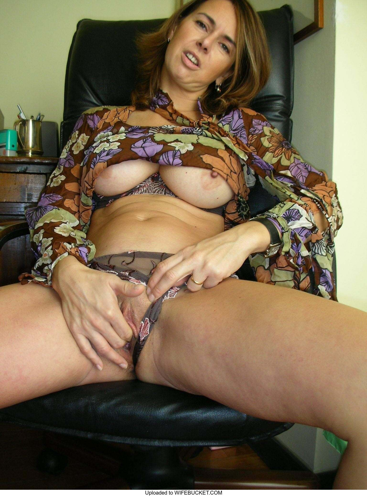 32 Free Photos Of Juicy Milf Pussies  Wifebucket -8764