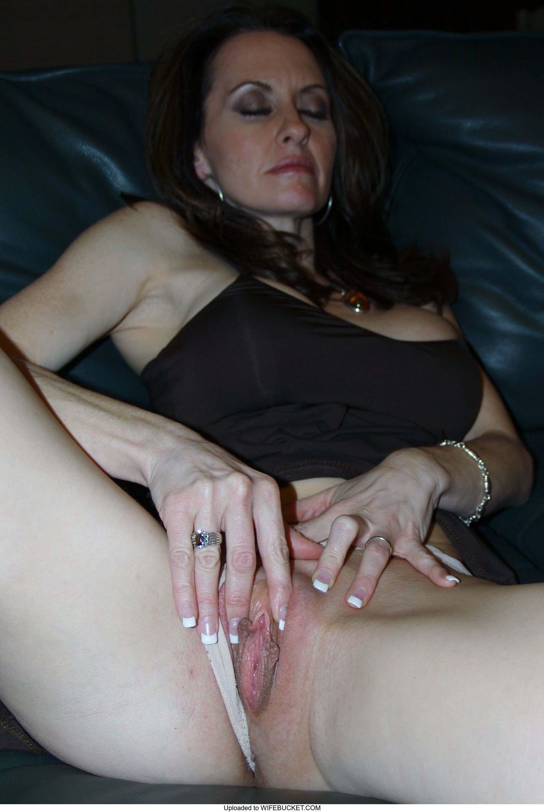 Free Mature Wife Pics