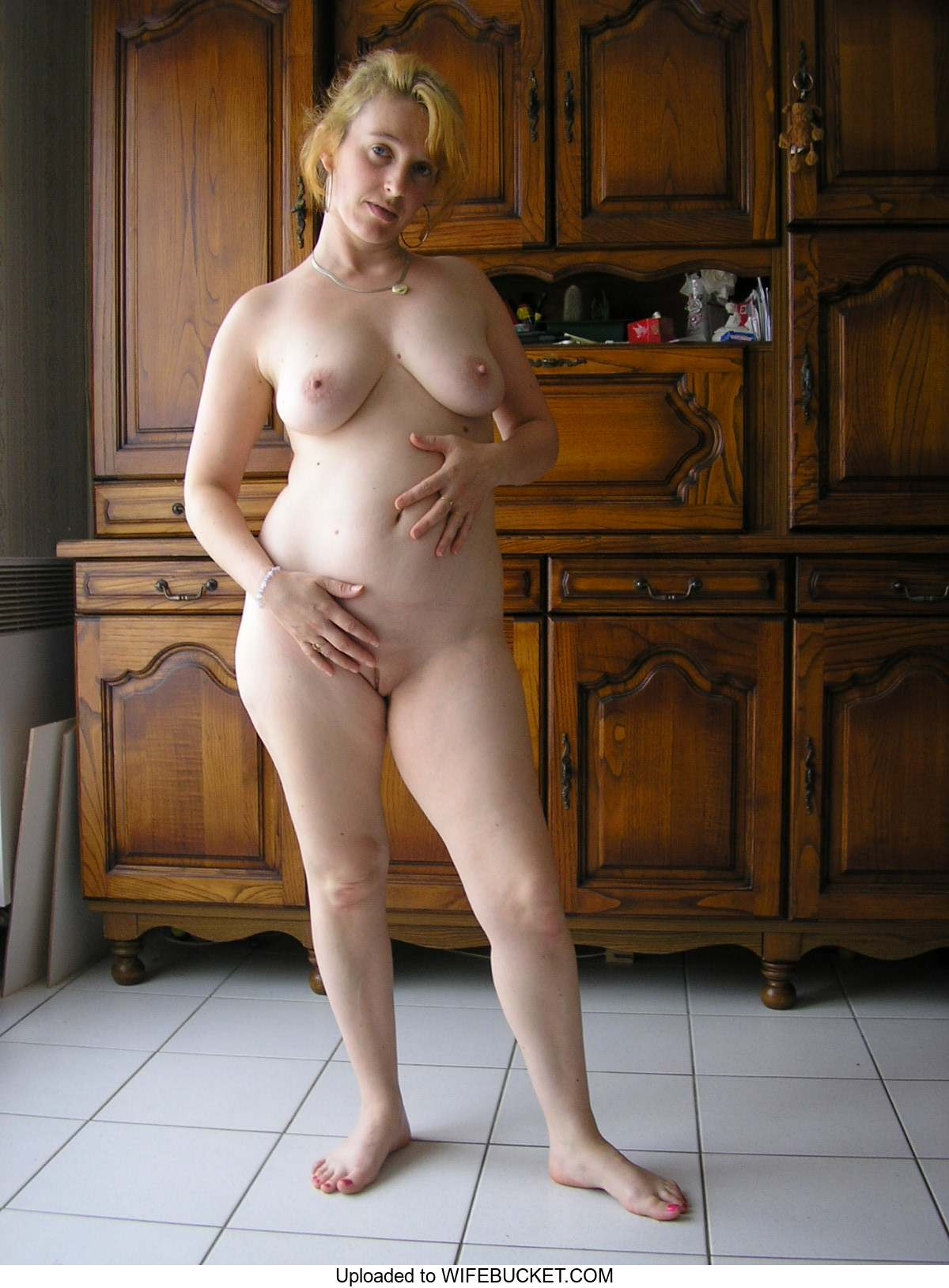Nude wife uploaded amateur homemade pics