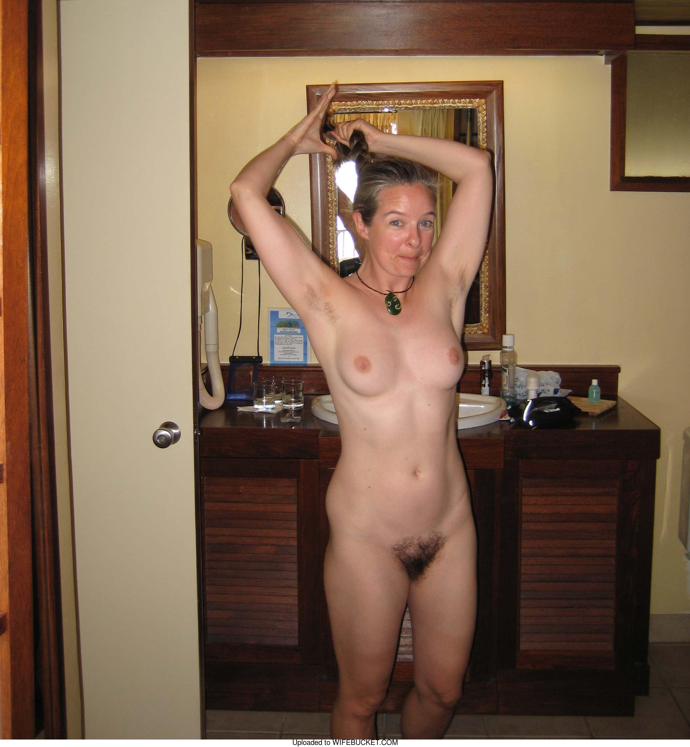 Porn amateur wife pussy slap