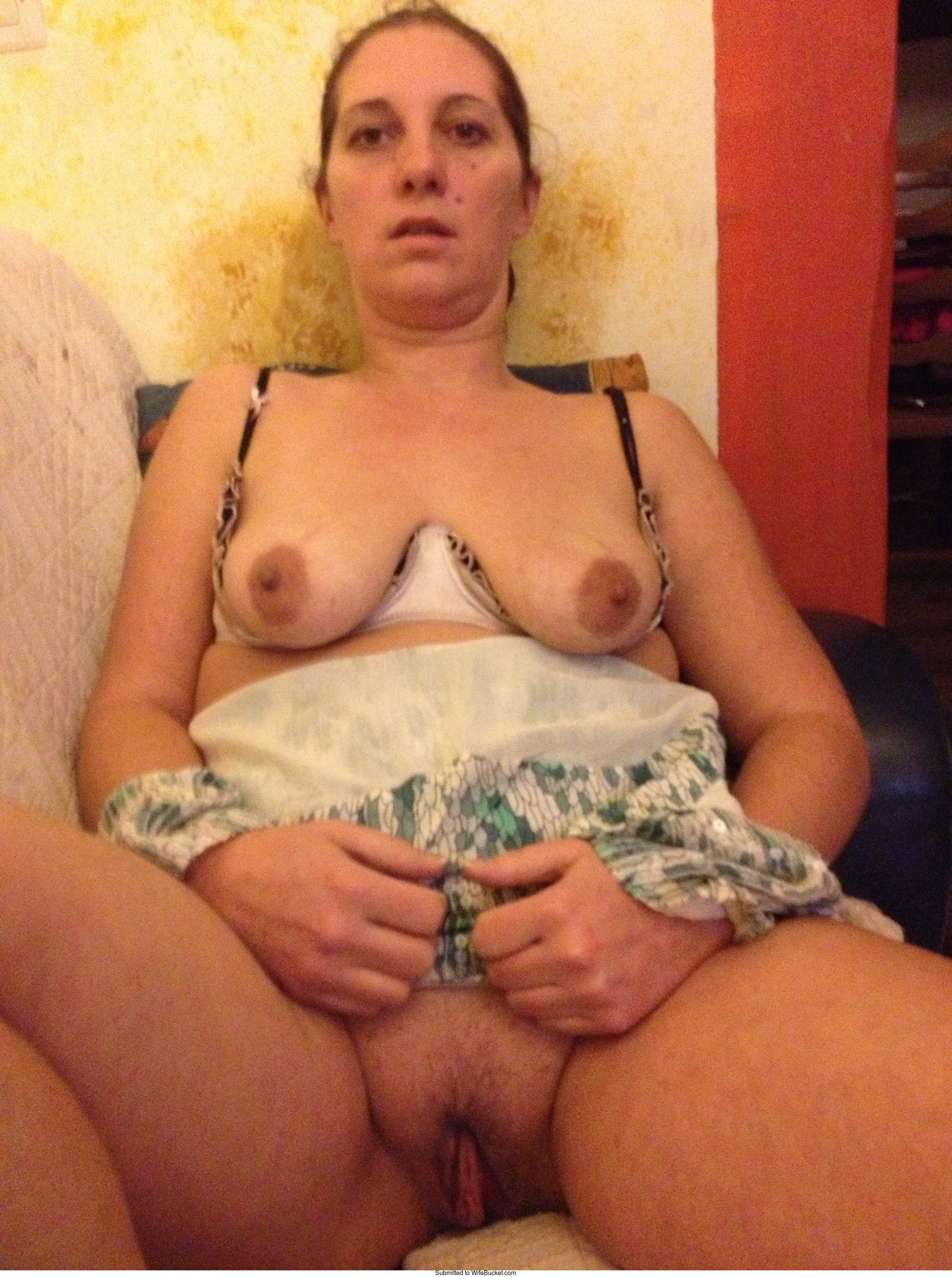 12 Milf Pussy Pictures Uploaded By Members  Wifebucket -8583