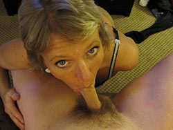 WifeBucket Pics | Mature wife deepthroat blowjob