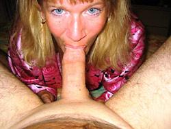 WifeBucket Pics | Amateur MILF blowjobs