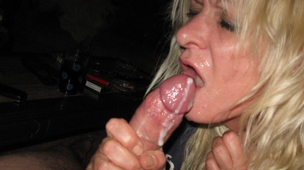 Older amateur wife is happy after this hot facial
