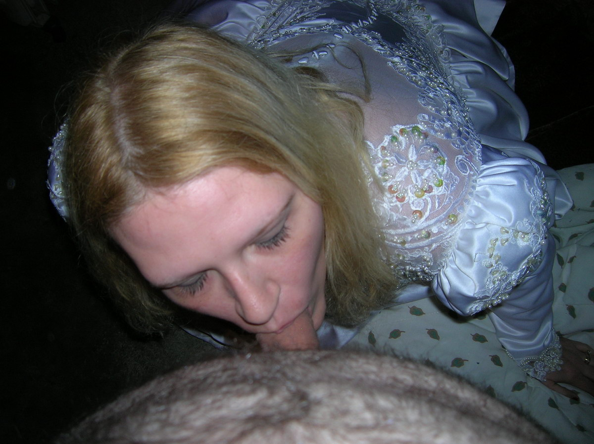 WifeBucket Pics | Blowjob from the bride