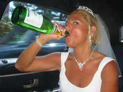 Older amateur bride has drunk sex in the limo