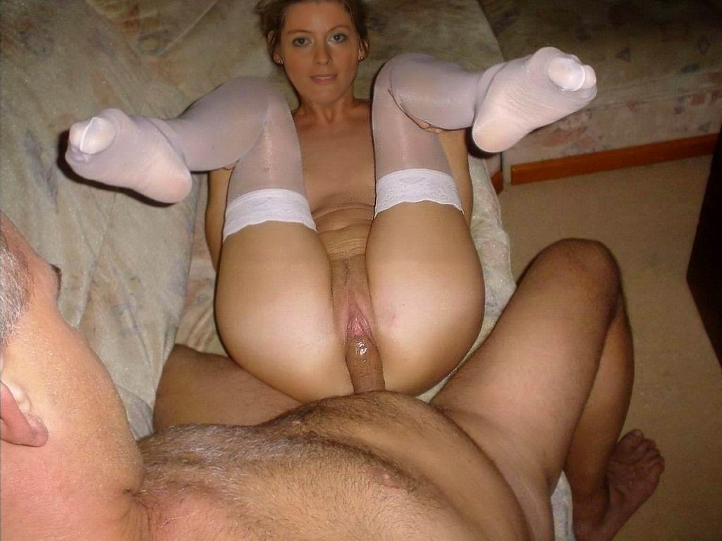 Older wife fucked on the sofa