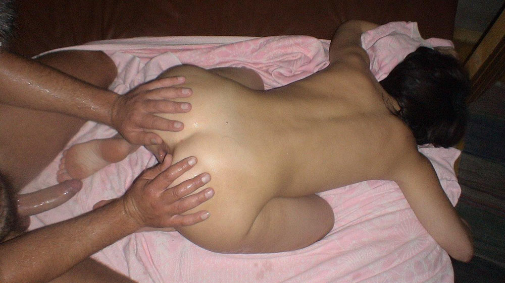 MILF wife gets her ass prepared for anal sex