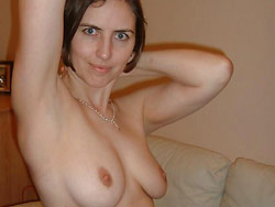Homemade nudes of a basic amateur wife