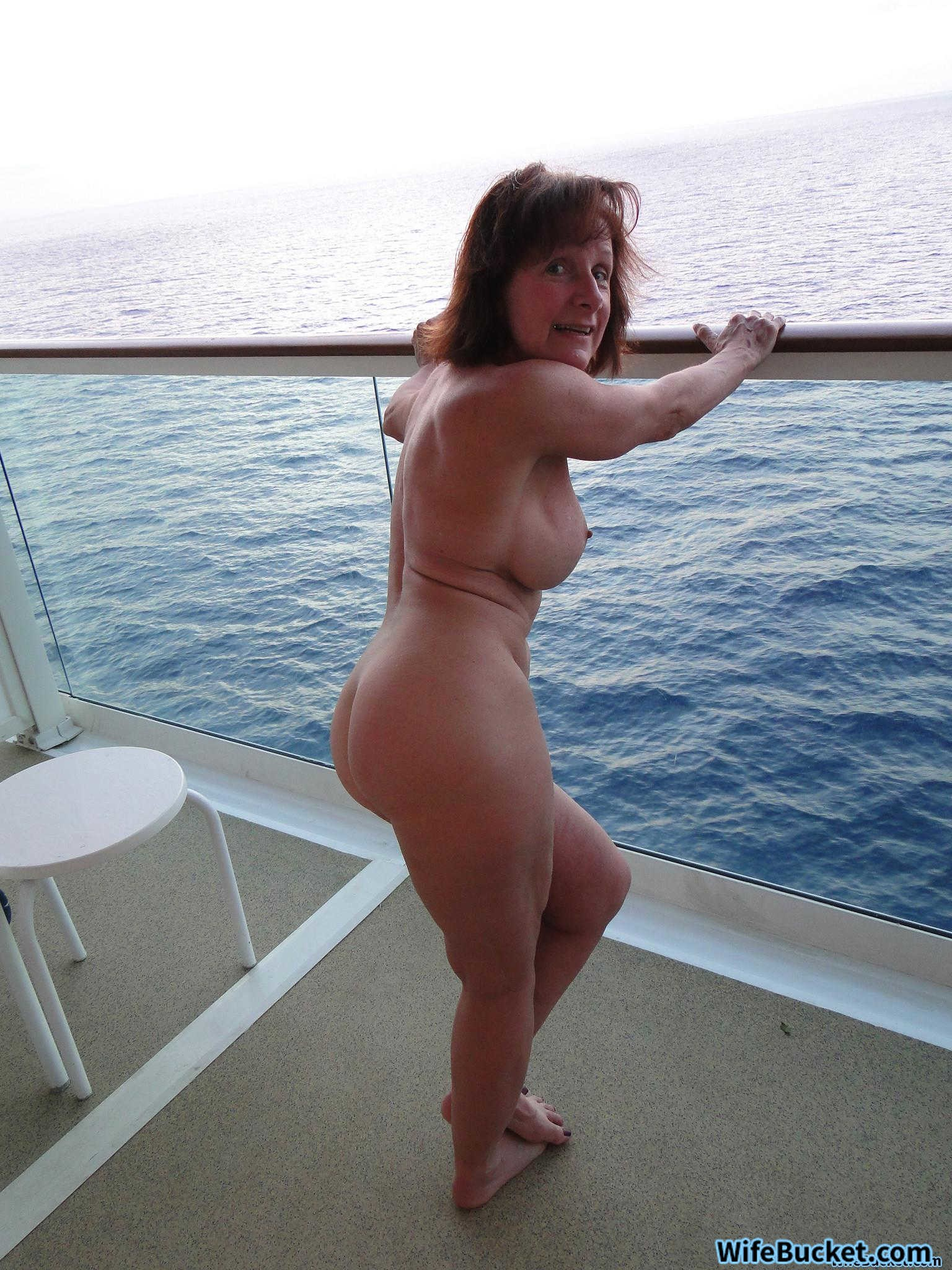 mature real wife nudes