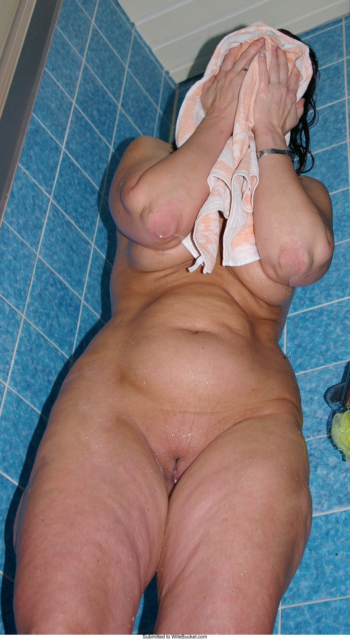 Thick wives naked