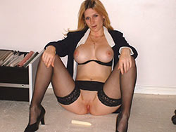 WifeBucket Pics | Classy wife nude in the office