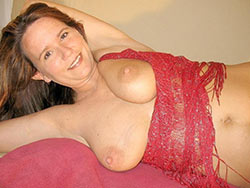 Naked pics of a real mature wife