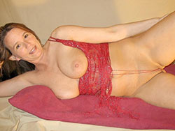 WifeBucket Pics | Beautiful mature wife in sexy lingerie