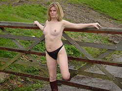 Wife over 40 nude pics