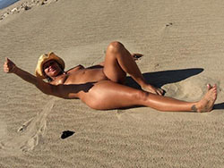 WifeBucket Pics | Nude and drunk on the beach