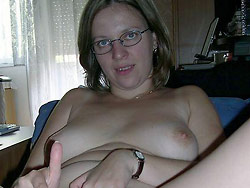 Naked pics of a PAWG wife